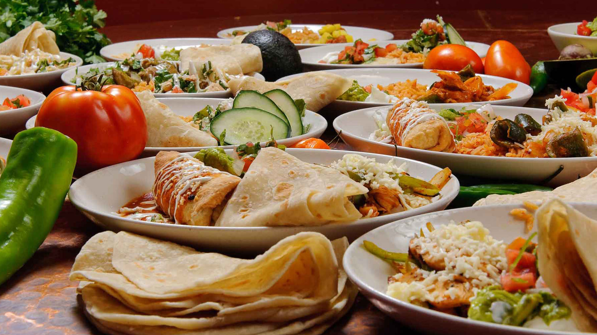 Graz'n Gourmet offers its party catering services for large and   small events